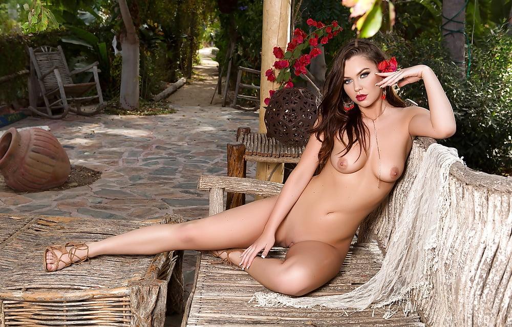 Lisa Kudrow Naked Celebrity