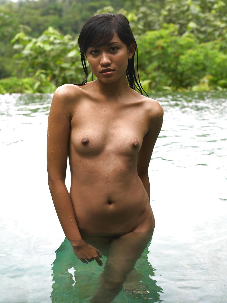 Bali nude girl — pic 7