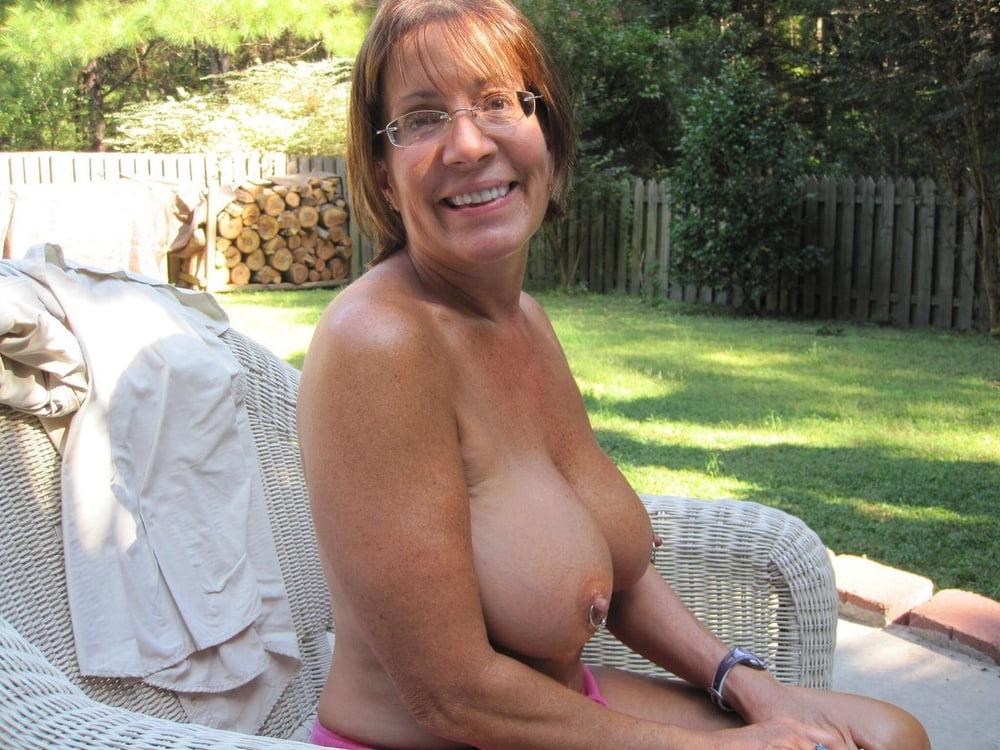 Free large mature tit pics — photo 8