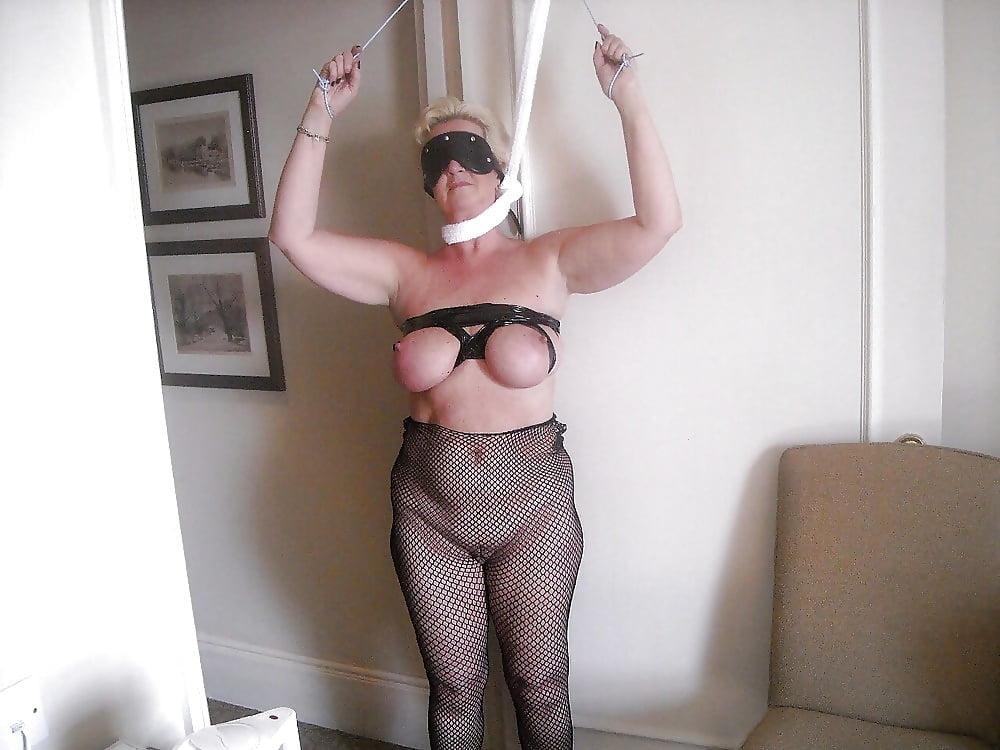 amateur-photo-of-submissive-woman-vietnamese-nude-pics