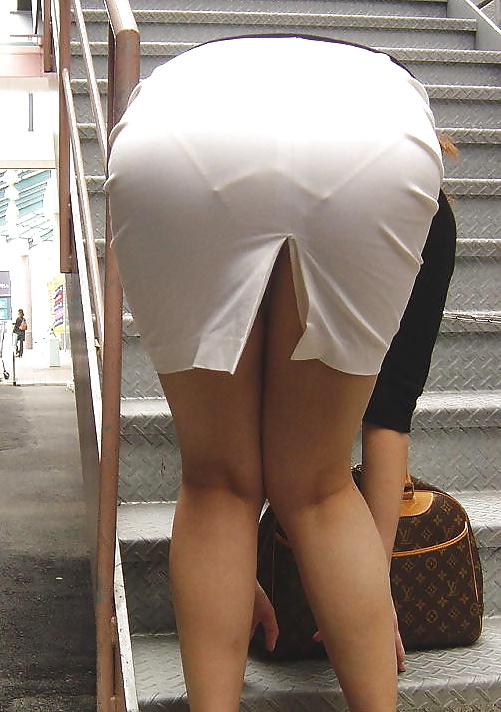 Visible panty lines sexy panty ass — photo 11