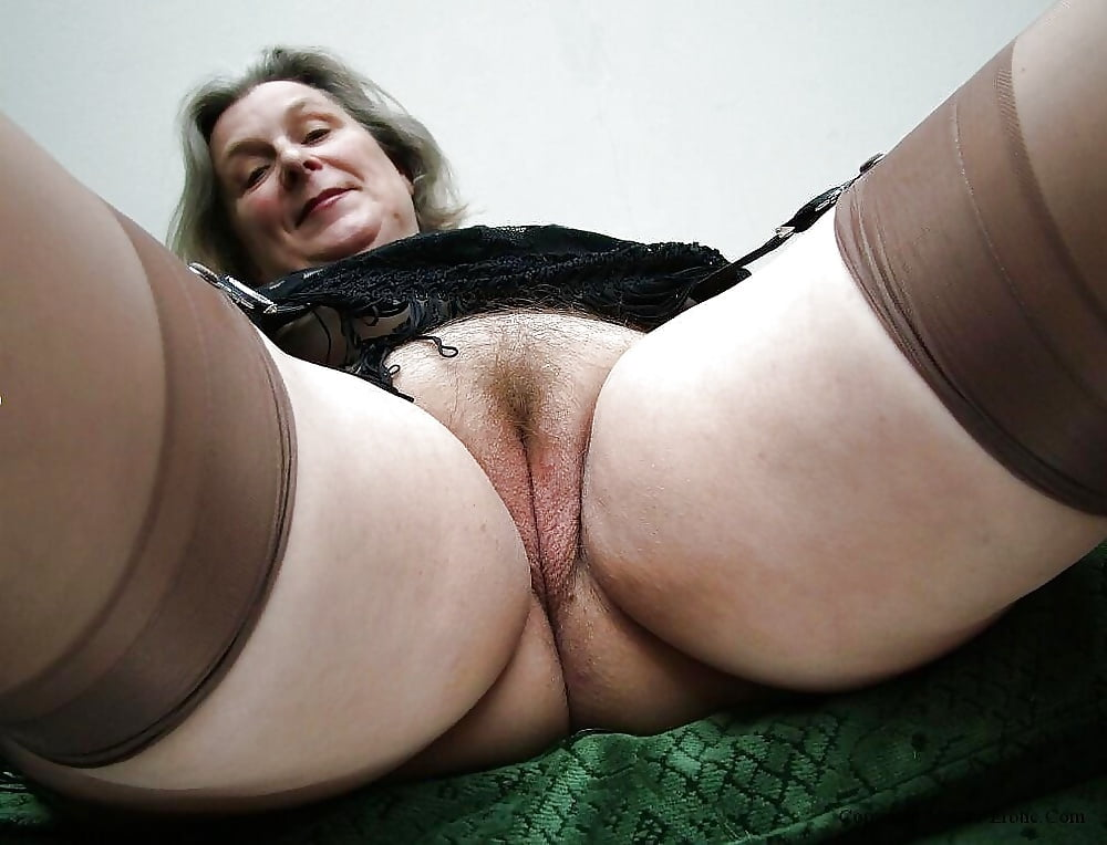 Порно Толстые Под Юбкой