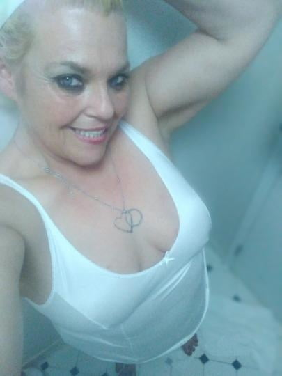 Snow White 51 year old granny want it up the ASS HOLE! - 6 Pics