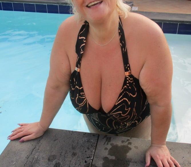Mature curvy lingerie