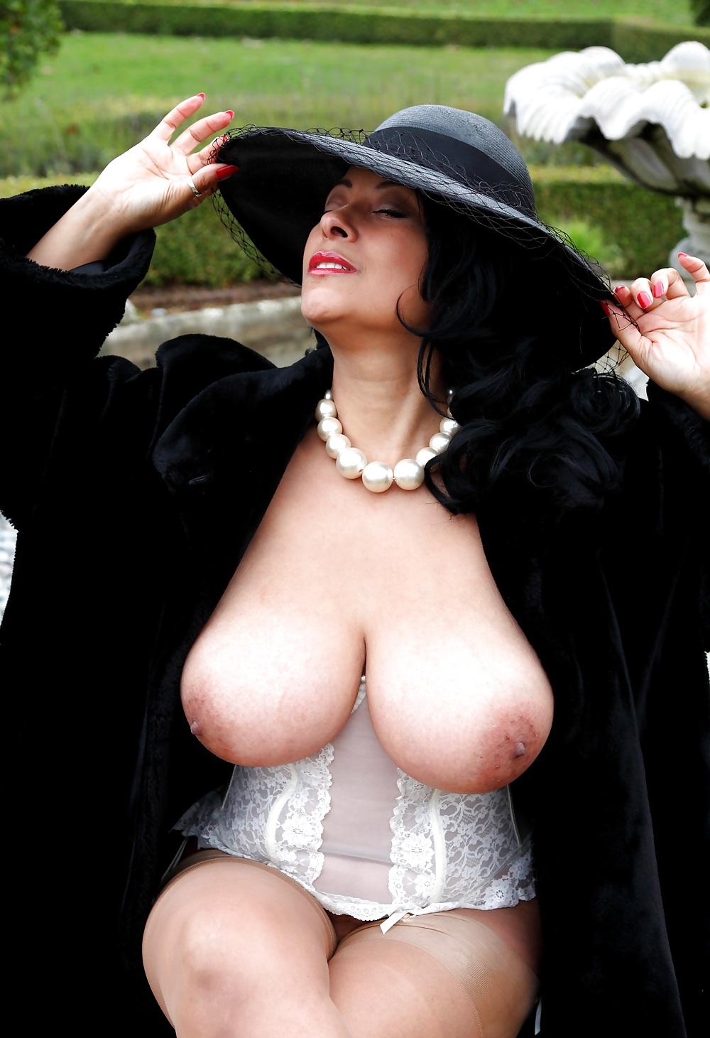 фотки зрелых дам сиськи - 1
