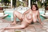 Curvy Women 231