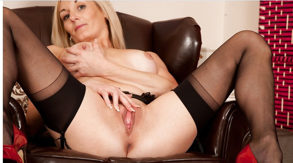 Stockings hot milf mature cougar roman porn photos hq
