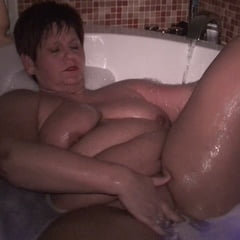 Erotic See and Save As wet cunt in the bathtub          porn pict sex album thumbnail