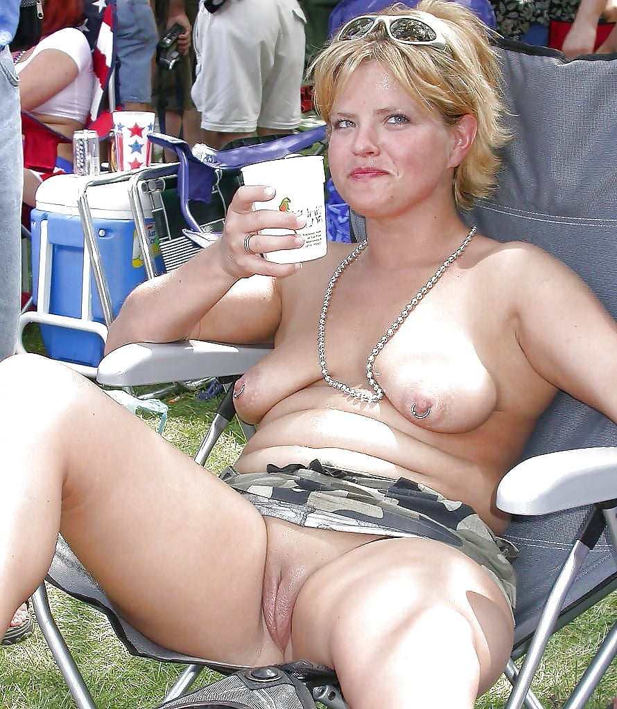 beachhairy-pussy-nude-and-public-sex-pics-basques-stockings-and-suspenders-porn-galleries