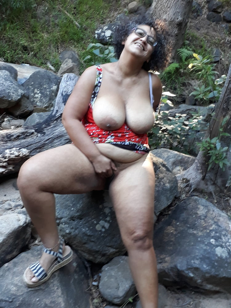 Part 2 of SuperMOM Having some outdoor fun - 8 Pics