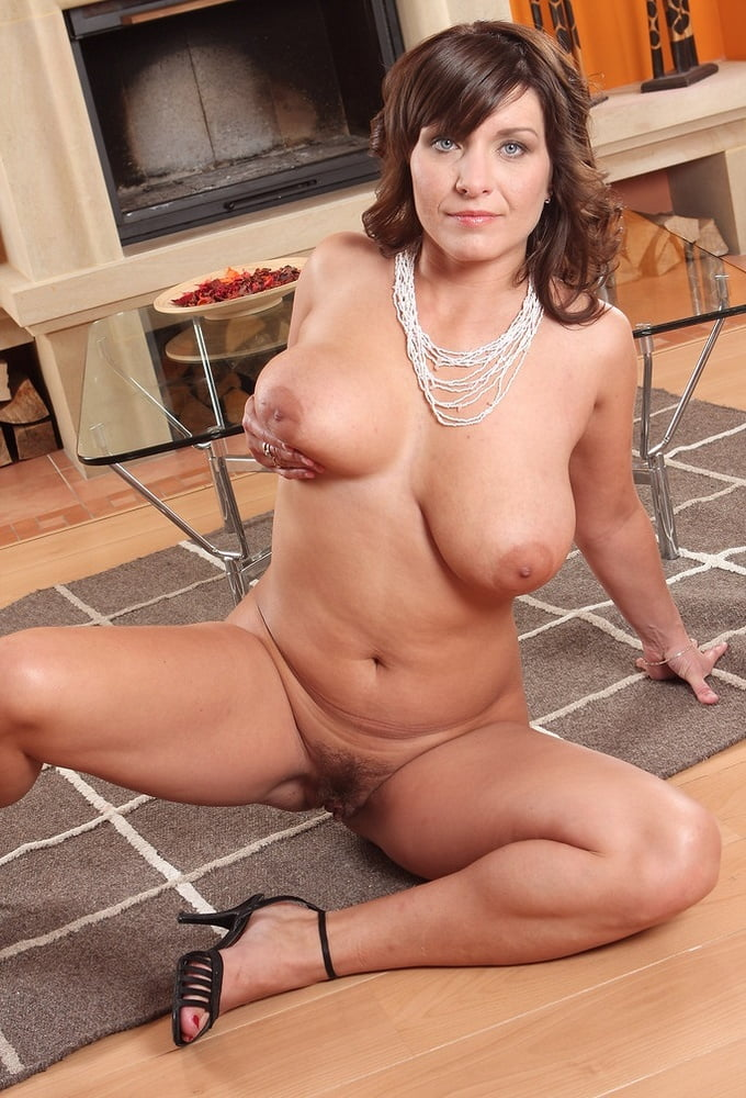 Busty mature video galleries — pic 12