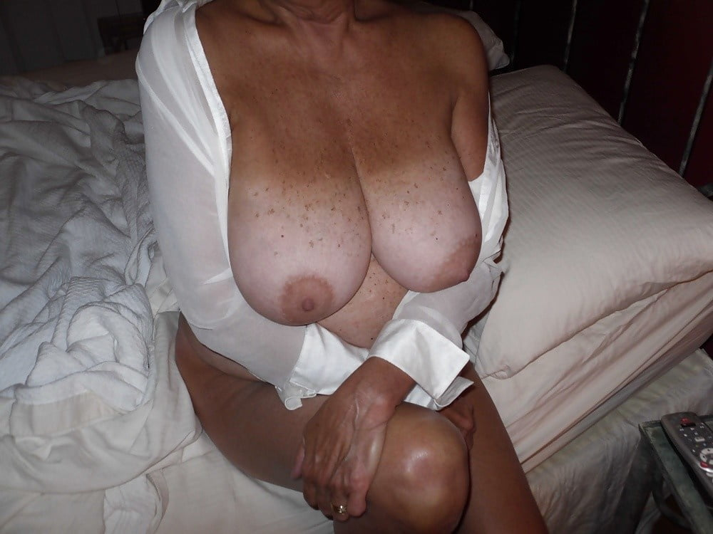 Matures and Grannies found on the Web - 36 Pics