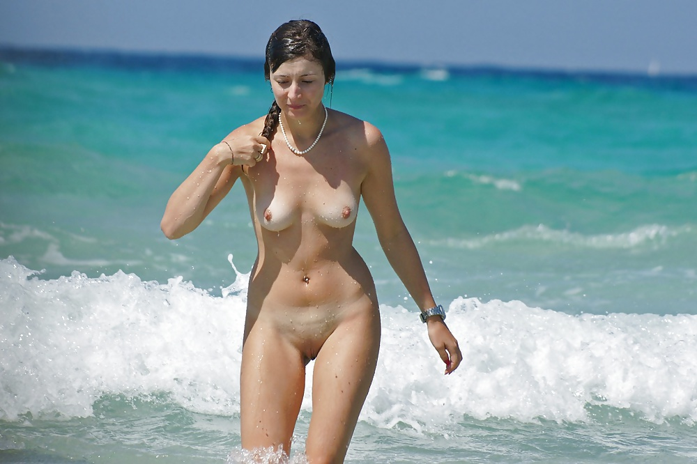 orient-beach-sexy-naked-female-ass-forum