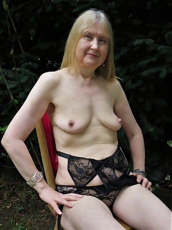 freehubporn womens with huge pussy get fucked