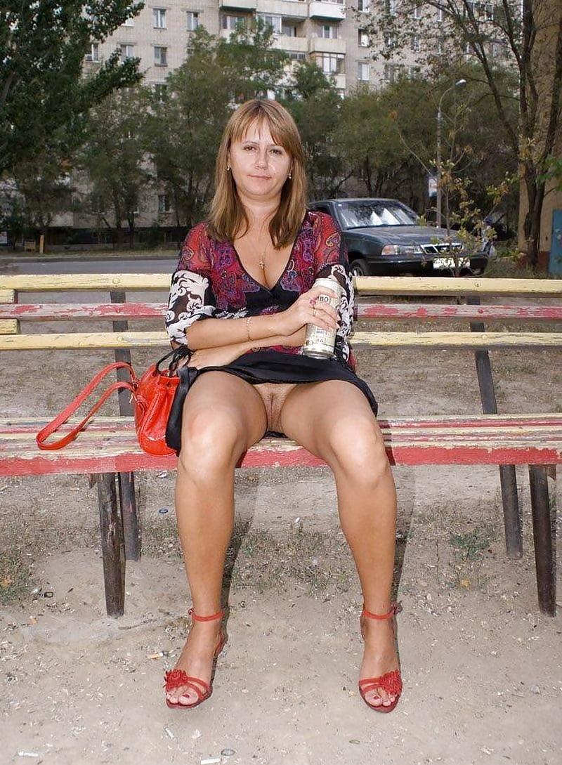 девчонки средних лет без трусиков - 7