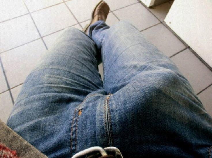 взял фото член стоит в джинсах рекомендуем