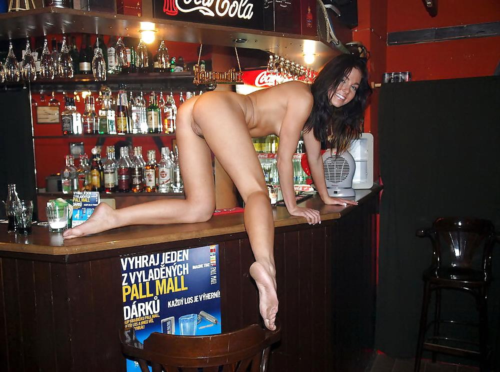можно танец голышом на барной стойке теперь-то