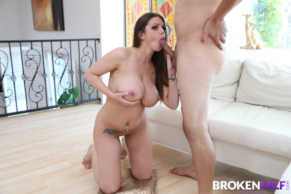Big Titted Babe Brooklyn Chase Makes Her Neighbor Fuck Her - 80 Pics
