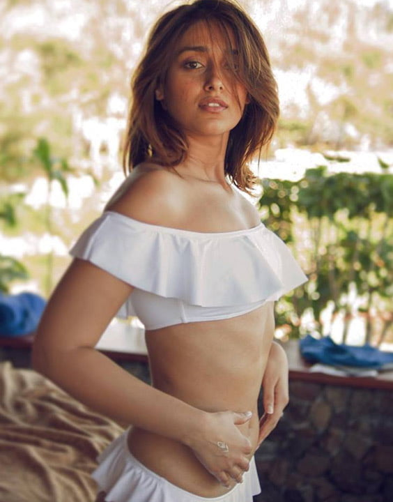 Bollywood Hot Actresses - 10 Pics