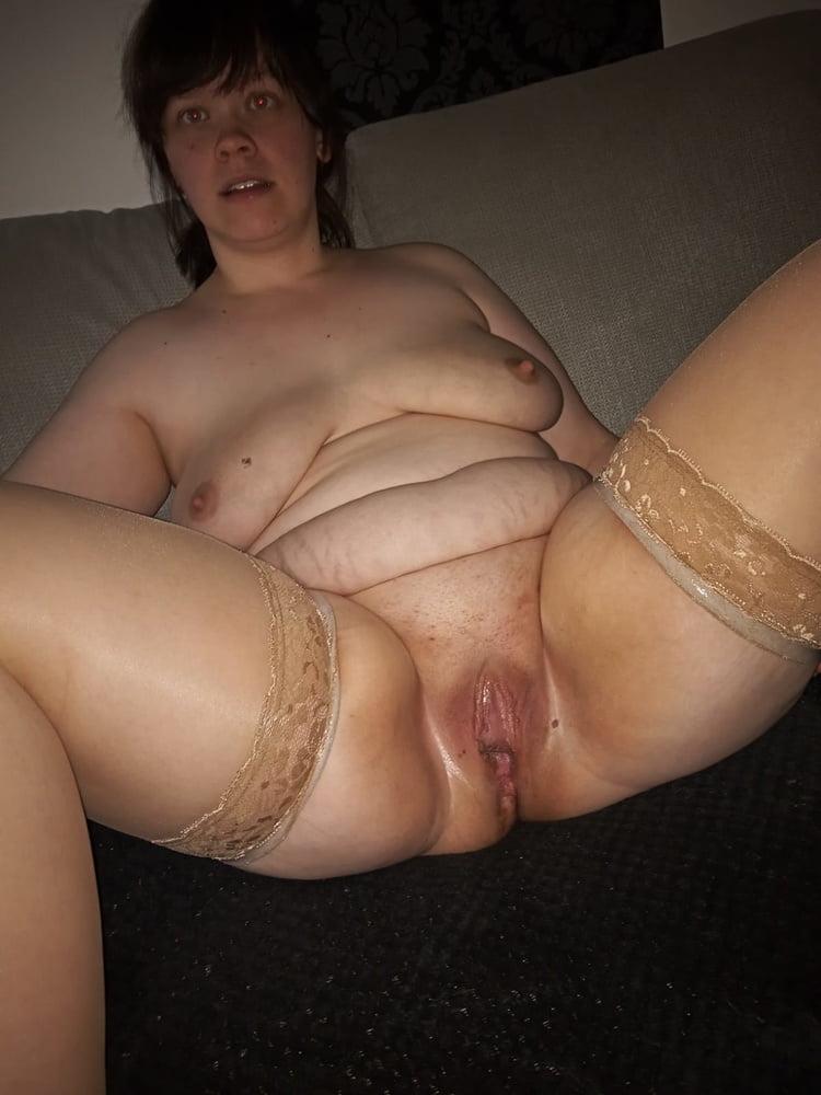 Jenny bitch open pussy - 6 Pics