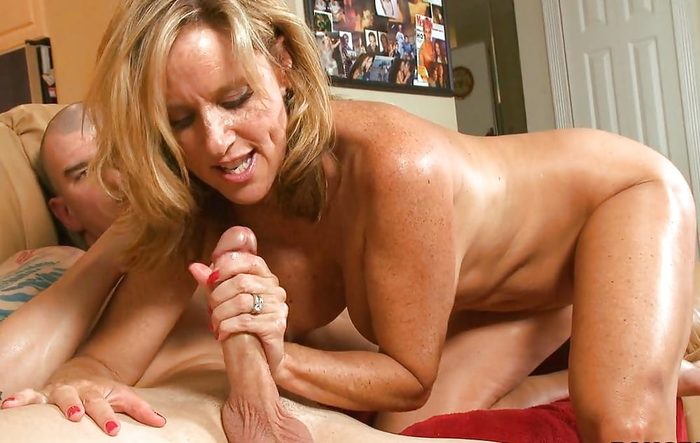 Bisexual Milfs In Raw Scenes Of Harsh Threesome