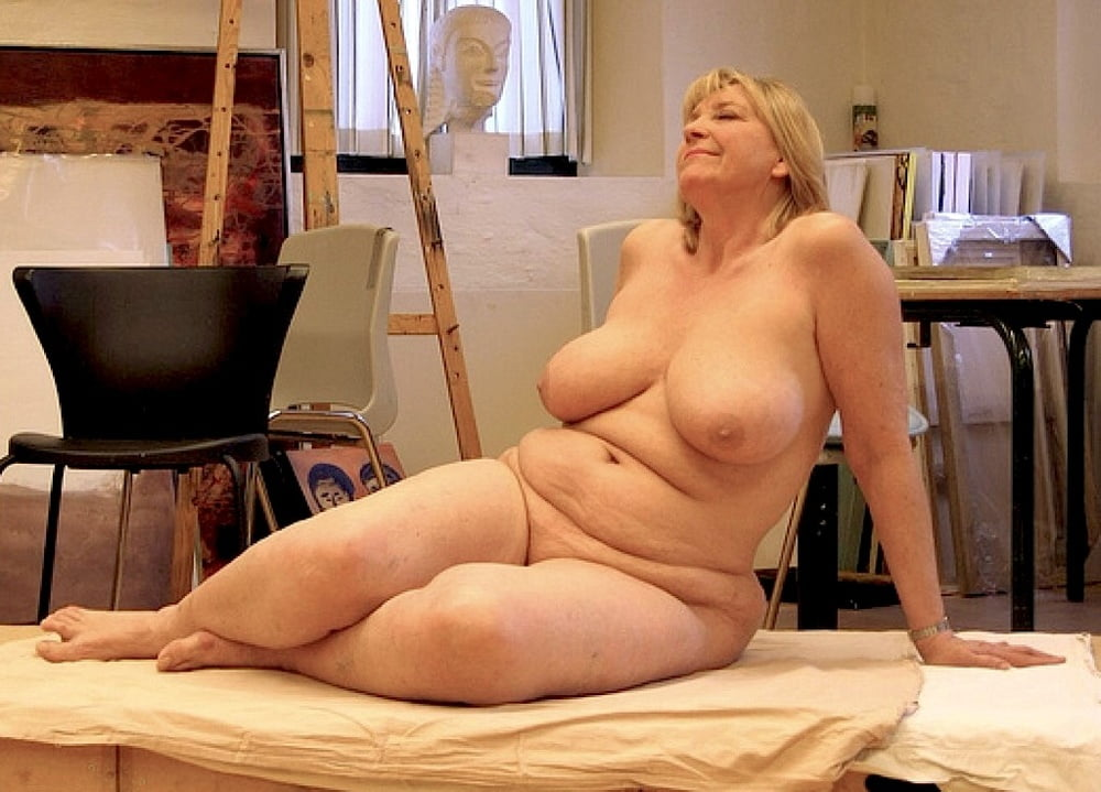 Mature women nude art — photo 2