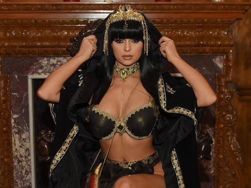 brunette-sexy-cleopatra-underwear-skinny-mexican-nude