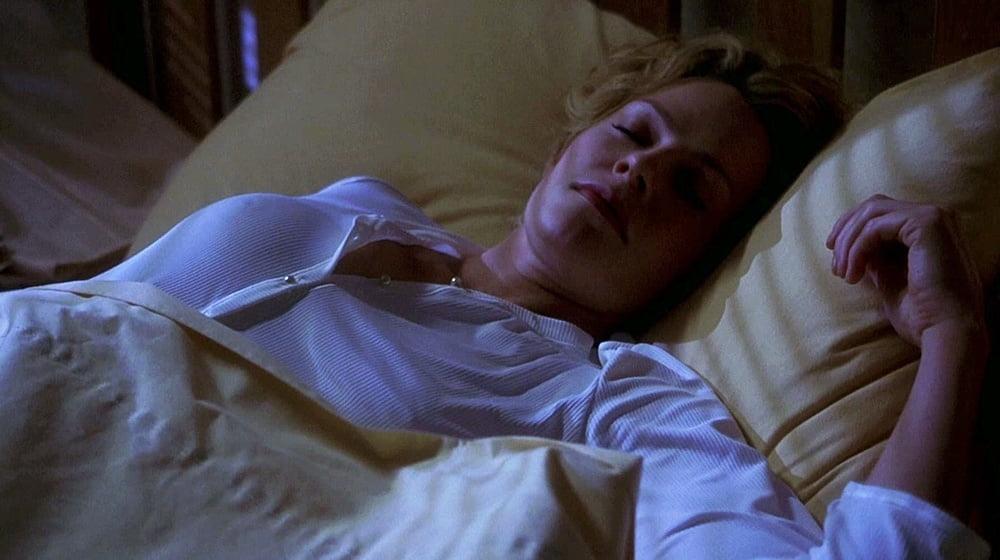 Elizabeth shue naked hollow man