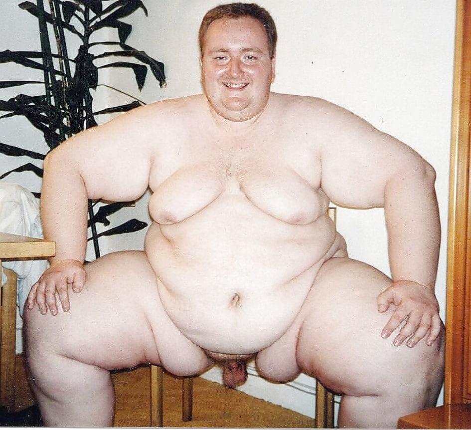 nerdy-girls-worlds-fattest-man-naked