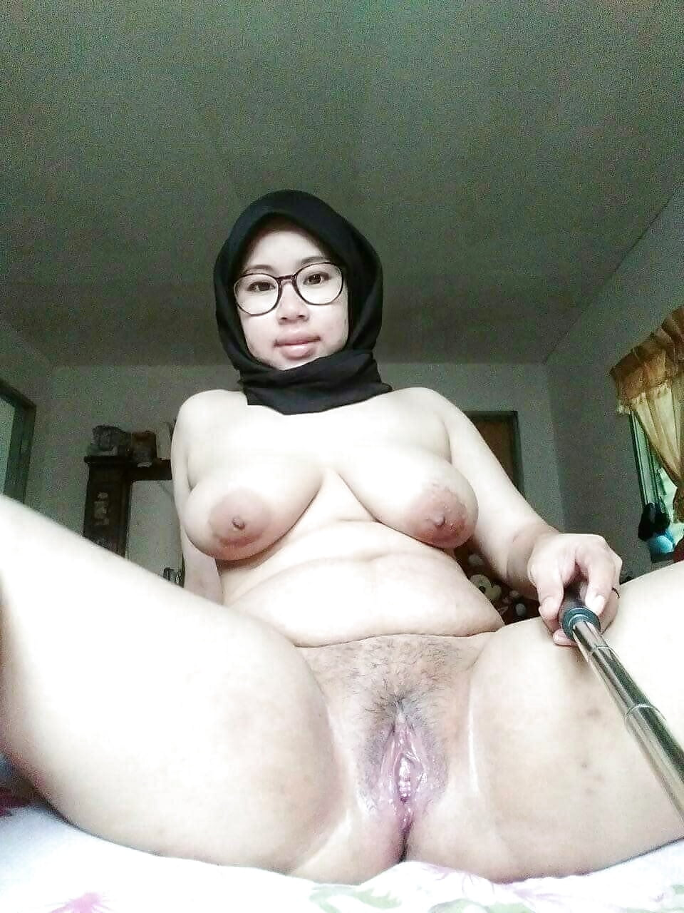 Showing xxx images for malaysian milfs xxx