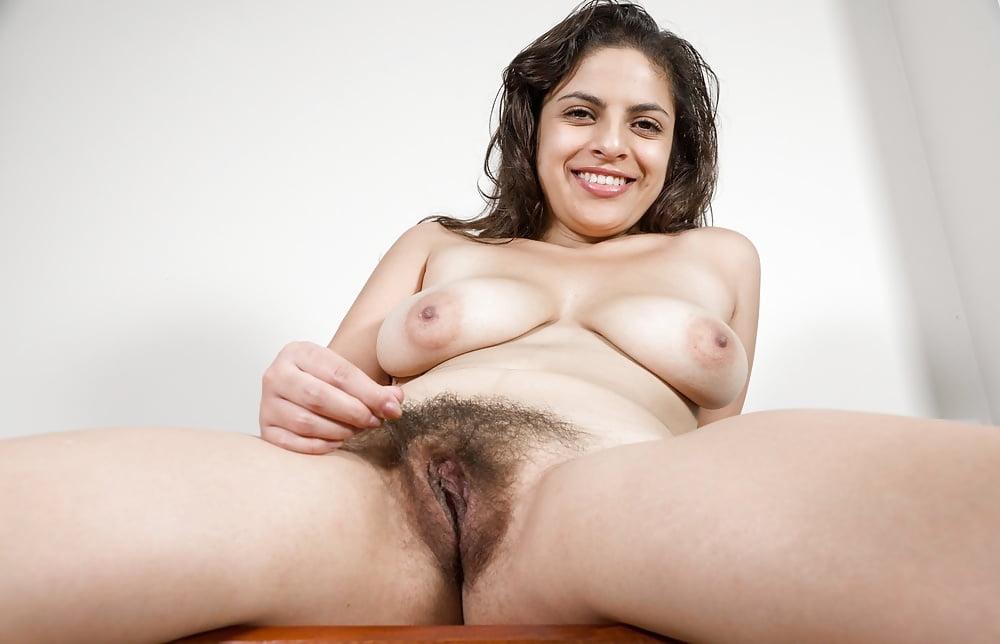 rekha-nude-hairy-pussy
