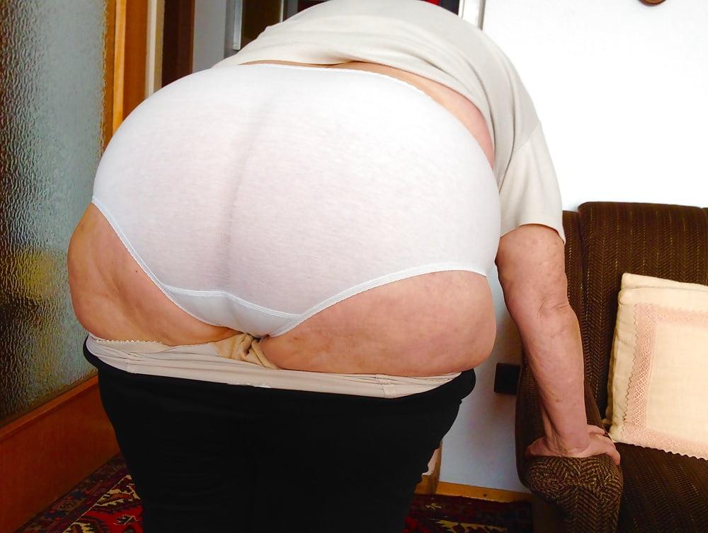 Big granny booty pics