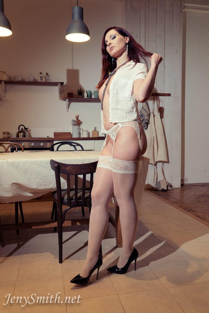 White Stockings maid - 15 Pics