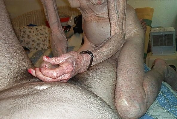 Free skinny granny pics