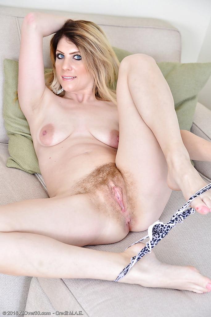 cute-mom-pussy-body-panties-girls