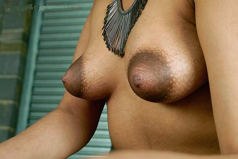 Mummy tits