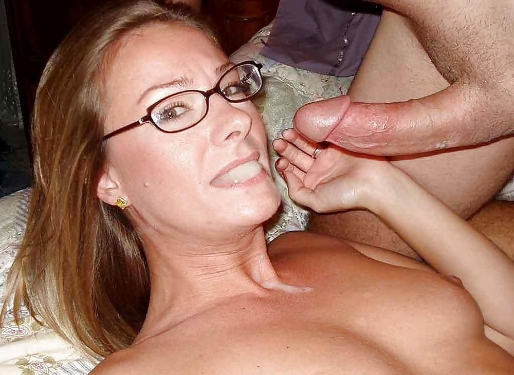 Mature amateur jerking off hairy cock and cumshot