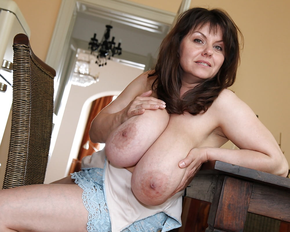 Old ladies fake tits porn clips