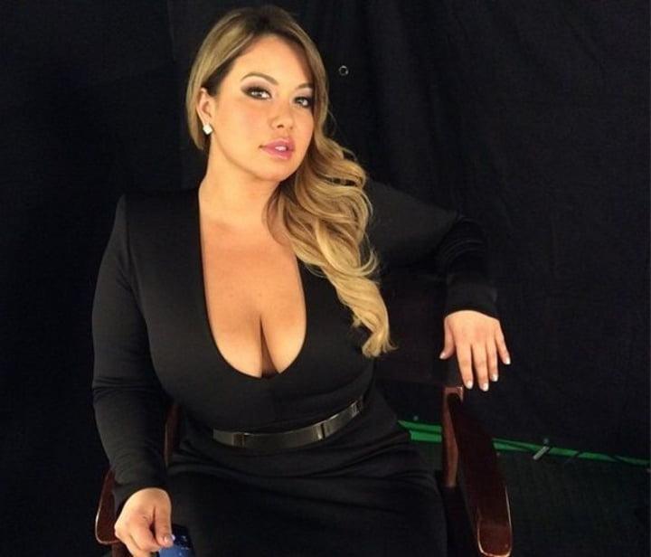 Chiquis Rivera  nackt