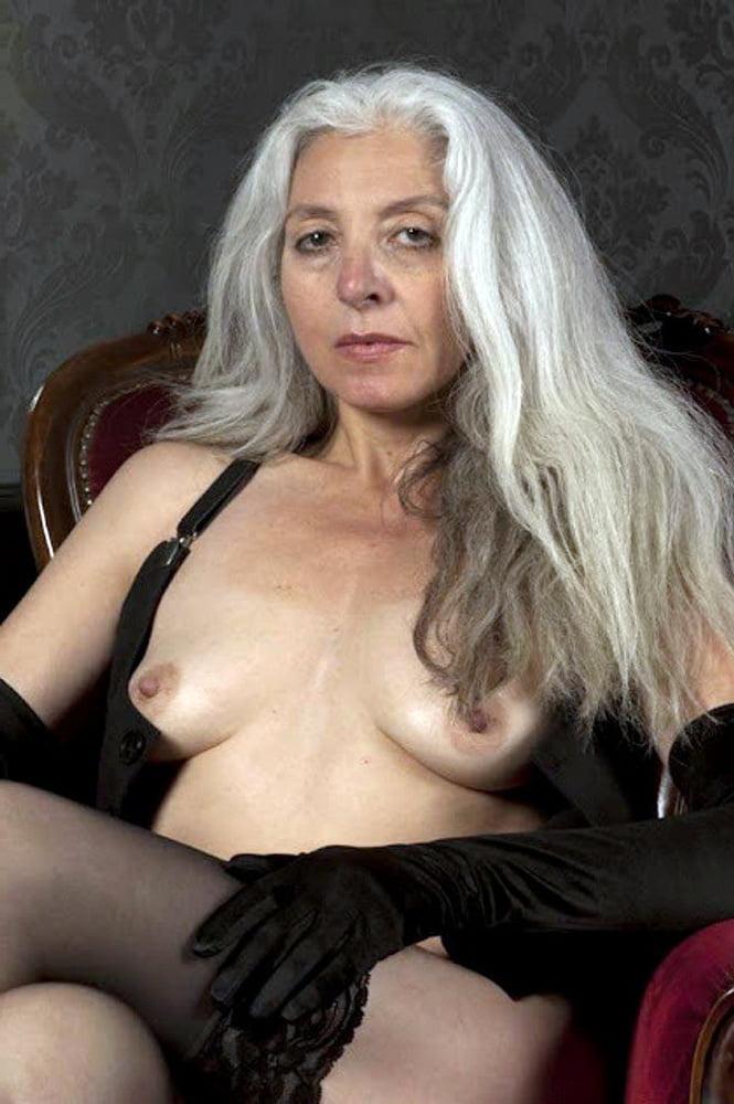 Old Women Short Hair Pics