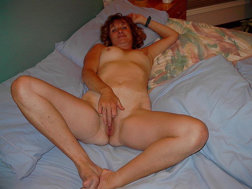 Kathryn hahn nude pussy