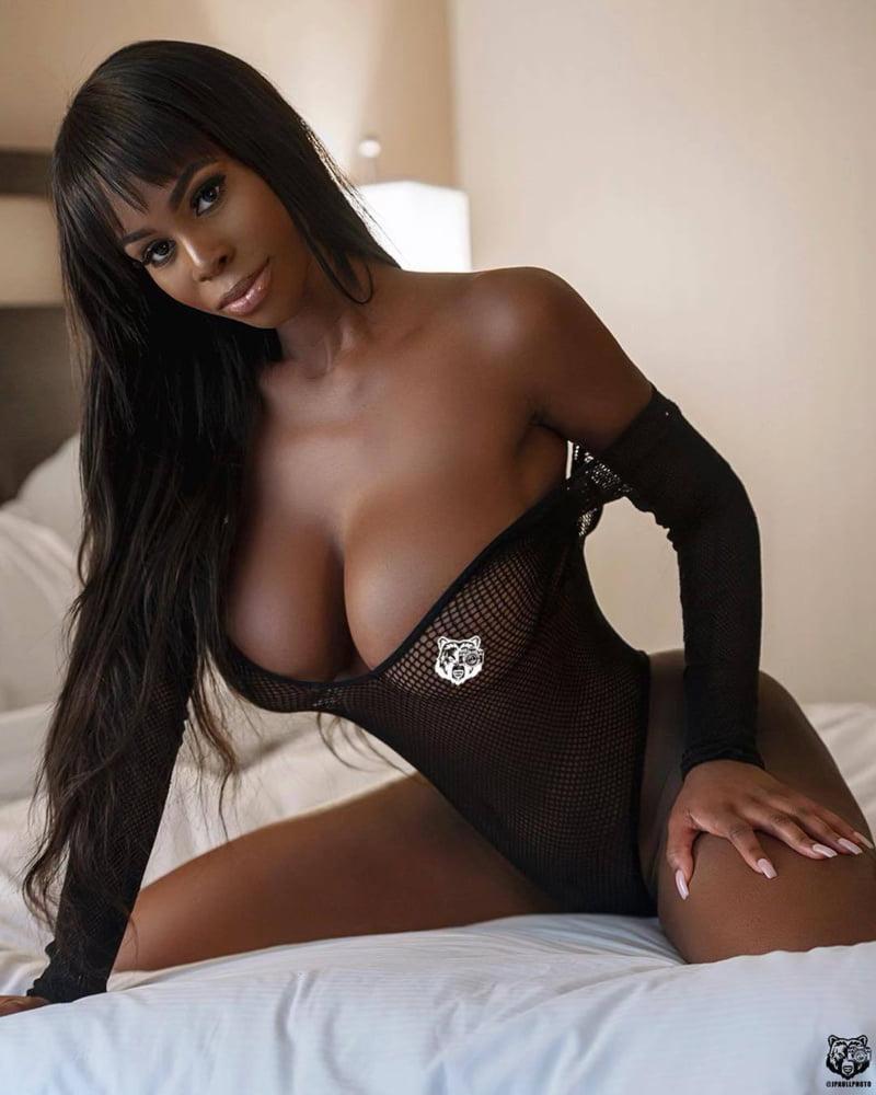 Kissygirl chicago ebony escort, hot naked redheaded men