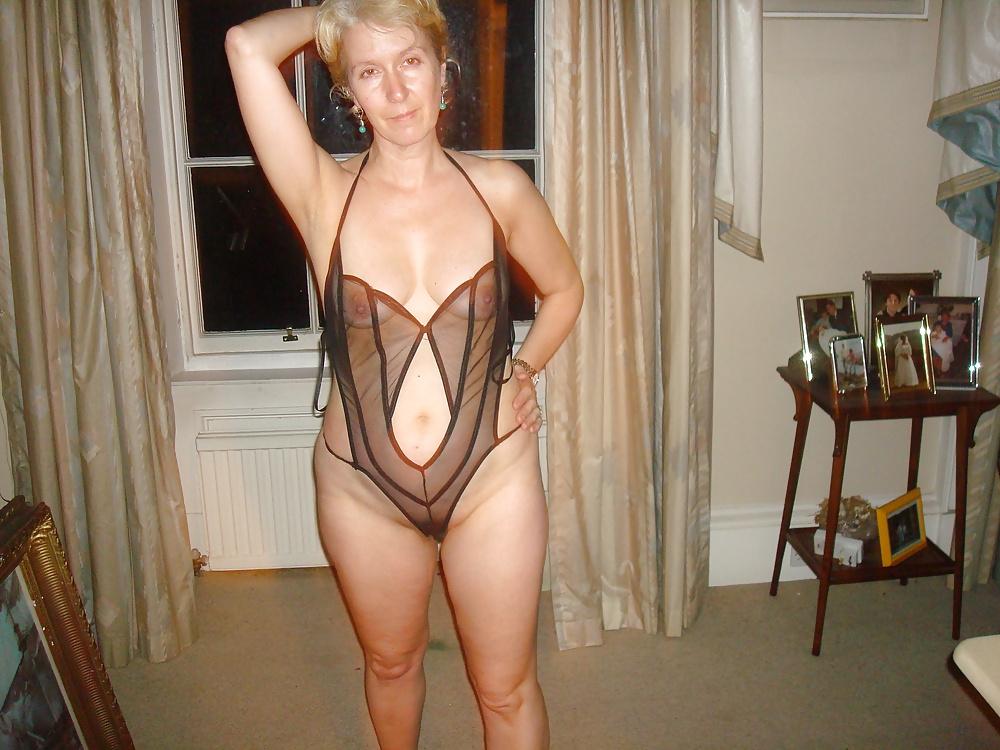 Ideal Nude mature panties something