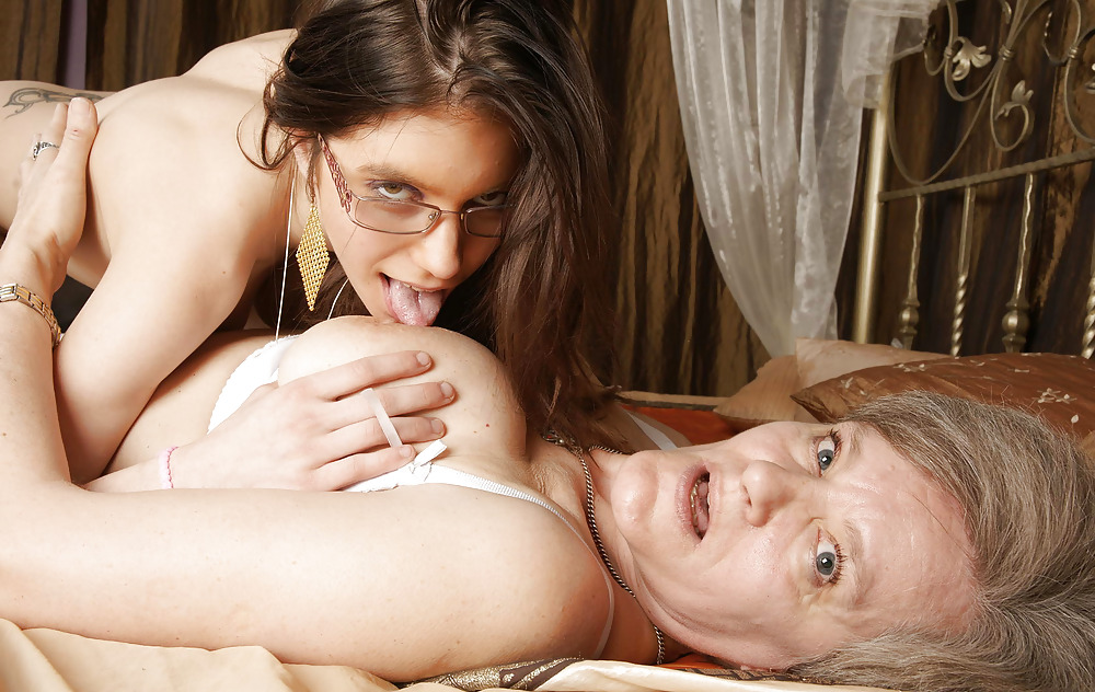 Big Tit Housewife Lesbians