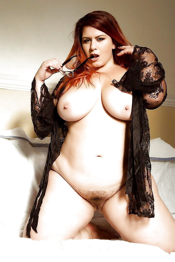 Big Tit Babe Pic
