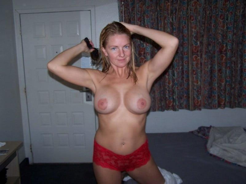 Big or small boobs ? Choose !