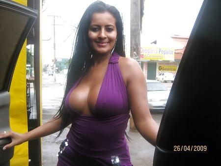 East coast milf nayara masturbating and cumming in a car - 1 part 2