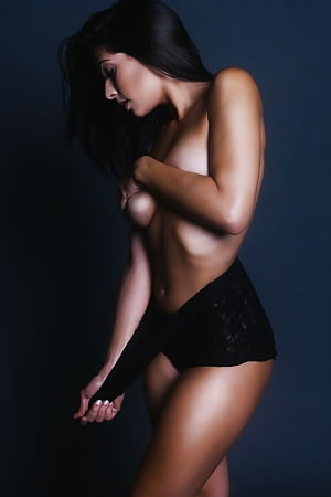 Sexy Camila Banus Naked Images