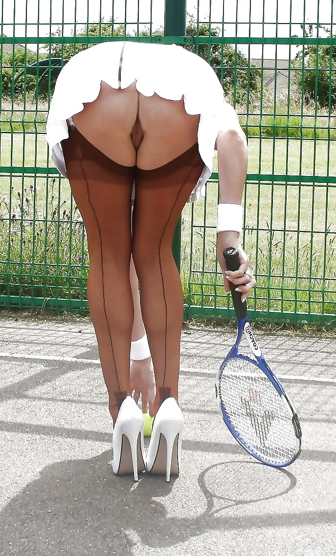 под юбкой теннис порно - 13