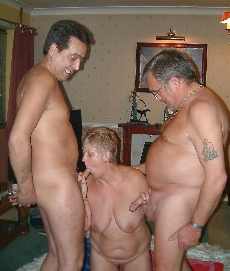 adult-elderly-mature-photo-swinger-naked-pussy-squirt-orgasm
